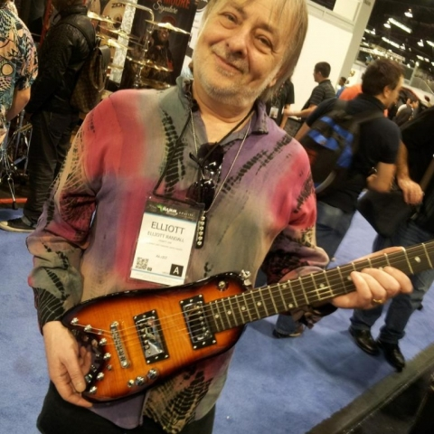 Elliott Randall checking out a Rambler Travel Guitar