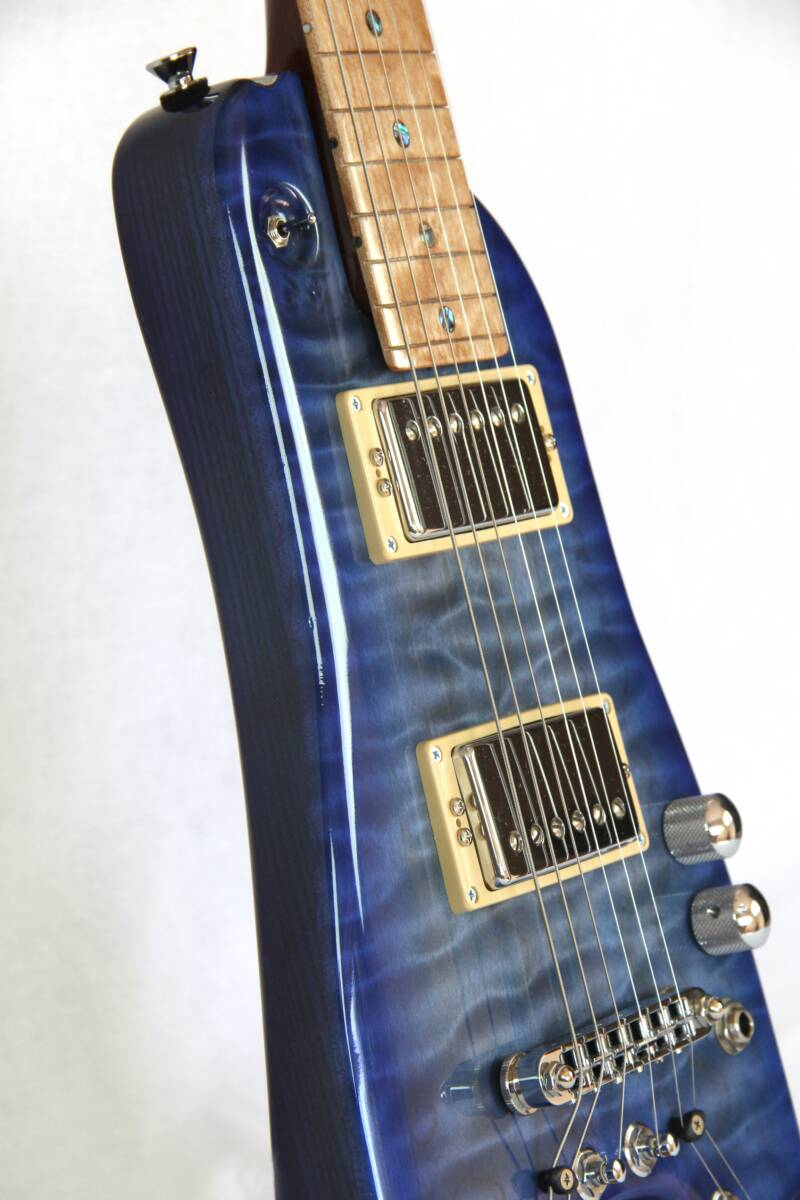 Rambler Travel Guitar in Blue Burst
