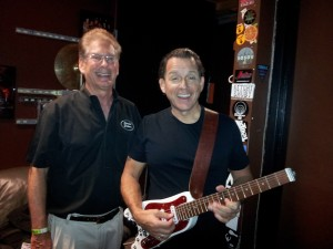 Tommy Castro tuning up STROBELCASTER travel guitar