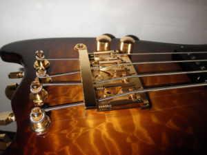 Strobel Rambler Travel Bass in Tobacco Sunburst with Gold Hardware