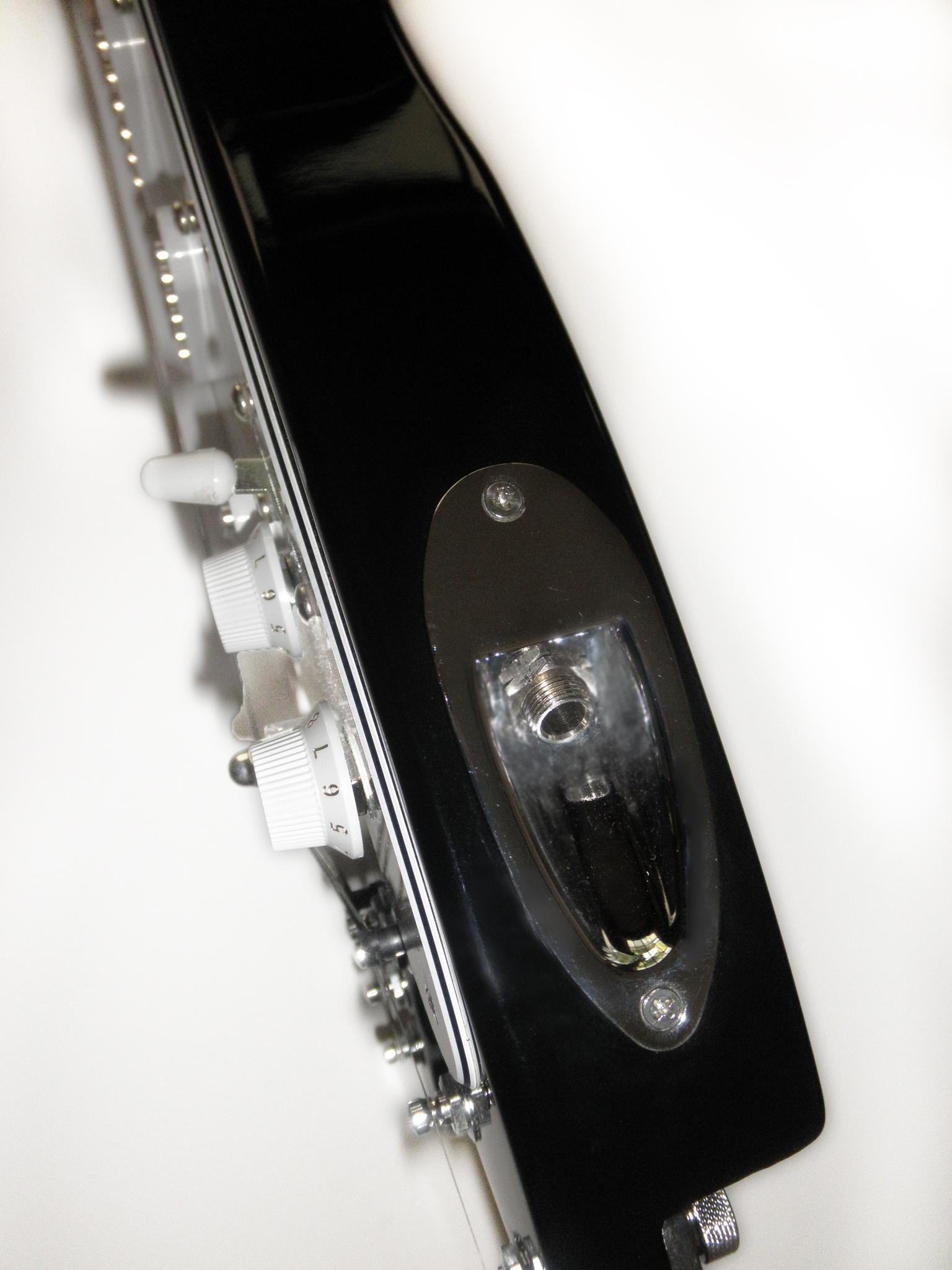 Black STROBELCASTER travel guitar - sideview