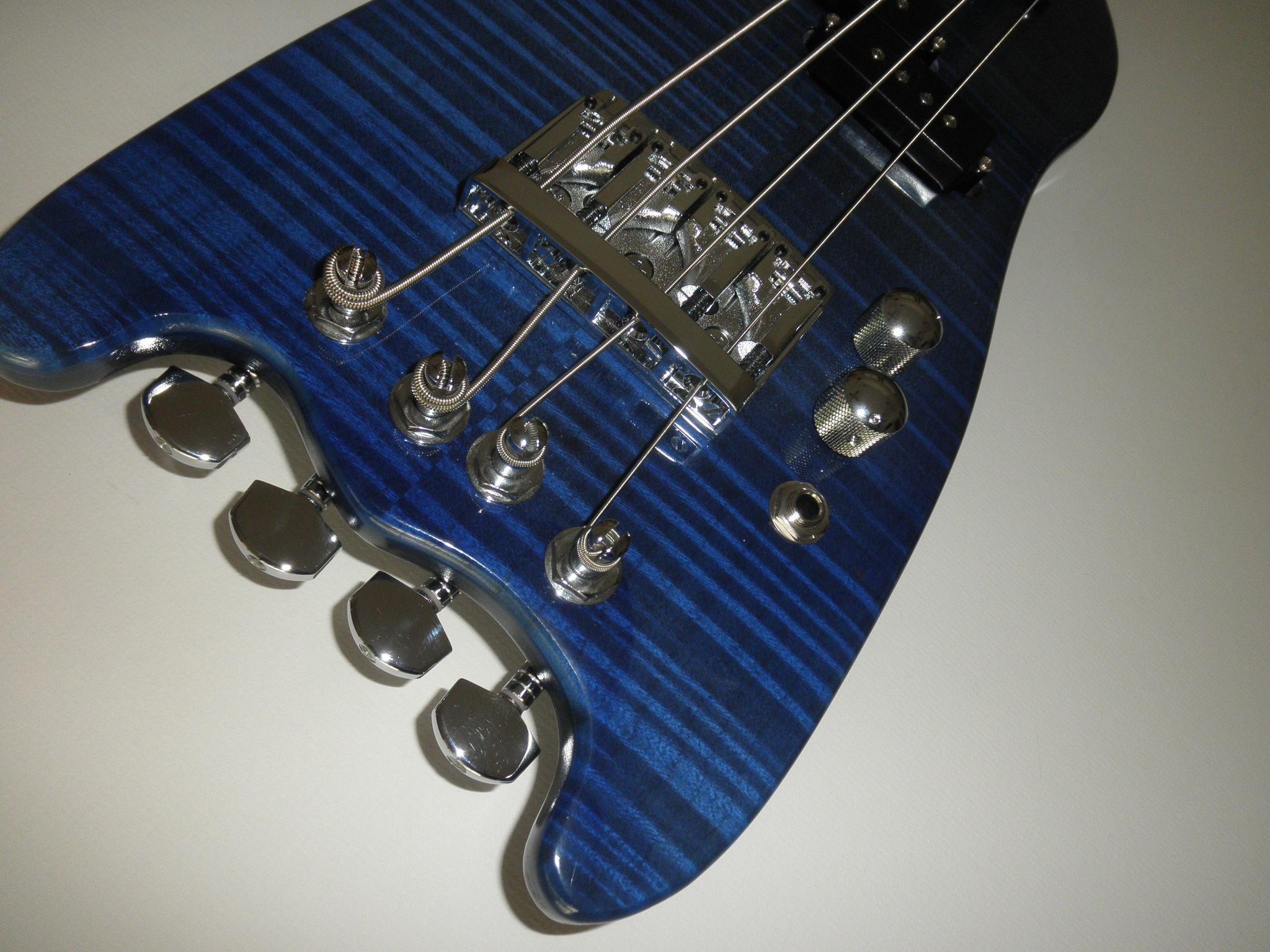 Blue Rambler Travel Bass Flamey Maple Top