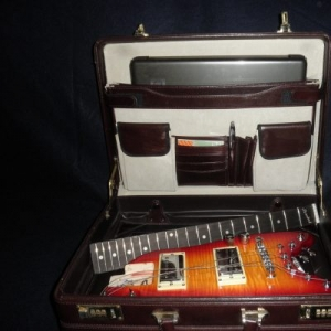 Strobel Rambler Travel Guitar in a briefcase - Cherry Sunburst