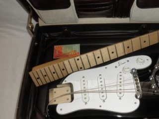 Travel Guitar fits in a briefcase - STROBELCASTER Standard