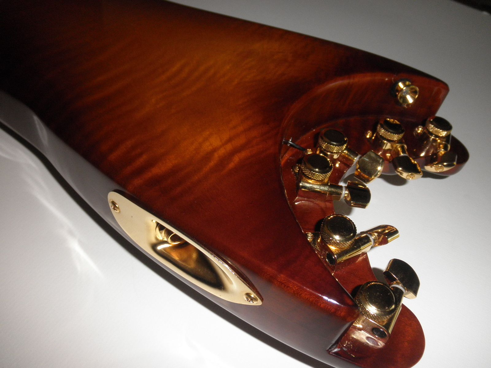 Flamey Maple back on HoneyBurst STROBELCASTER Custom Travel Guitar