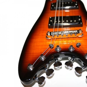 Strobel Rambler Portable Gutiar - Tobacco Sunburst with Graphtech String Tees